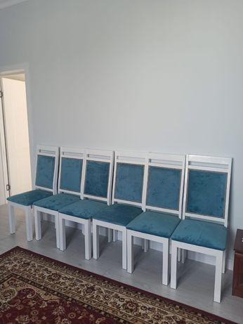 Срочно продаются стулья