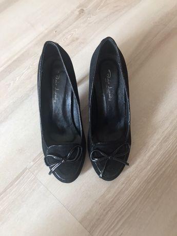 Елегантни обувки 35, отговарят на 36