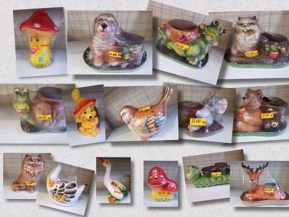 фигури и саксии от керамика