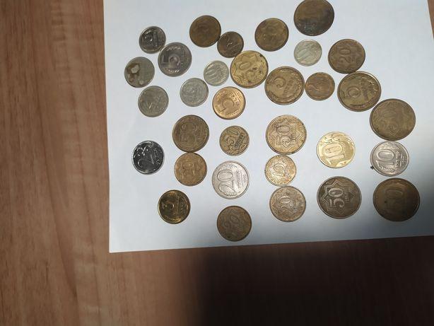 Продам советские и иностранные монеты.
