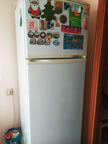 Холодильник Nord рабочий