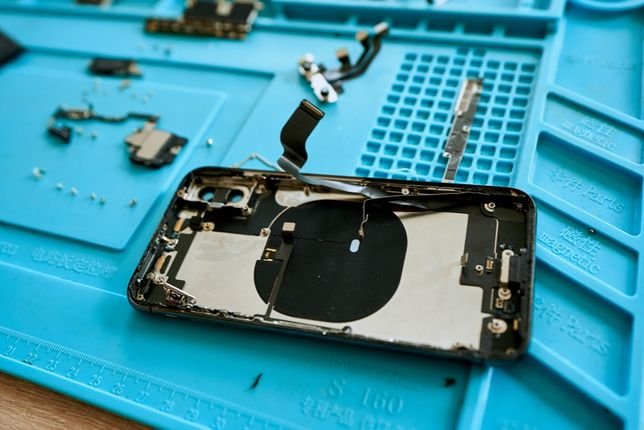 Service iPhone / Reparatii iPhone Cluj Schimbare display iPhone