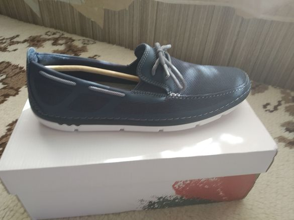 Продавам обувки Clarks