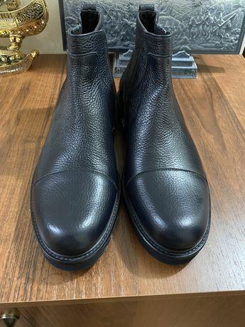 Продам итальянскую обувь ROSSI