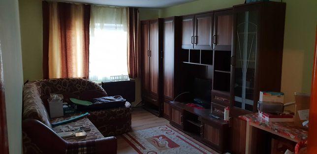 Vand apartament cu 2 camere, etaj I, str. Mihai Viteazul 35900 EURO