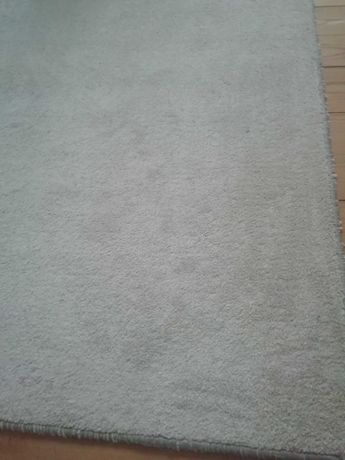 килим - бежов на цвят