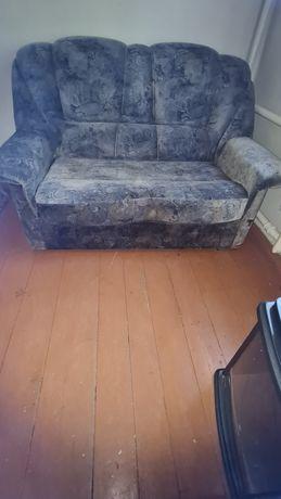 Продам диван 2-х местный