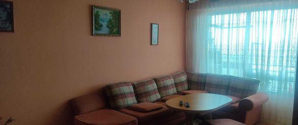 Тристаен апартамент с кухня в Казанлък