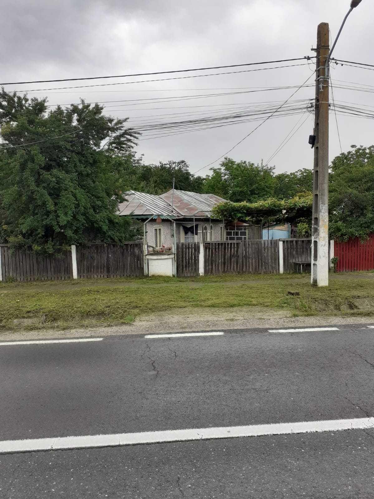 Vand casa cu teren in com. Contesti, Jud. Dambovita DN71