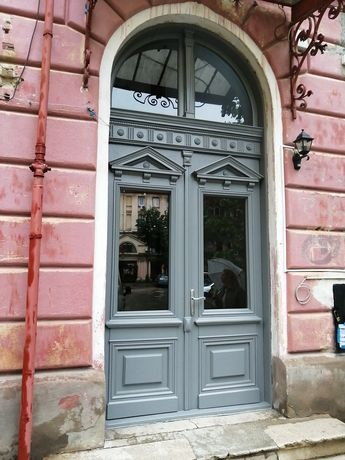 Recondiționare uși interior-exterior, ferestre, etc