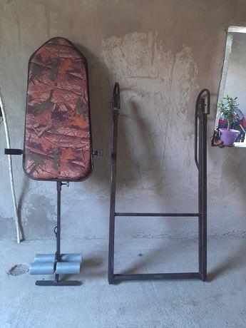 Инверсионный стол при болях спине