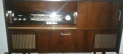 Radio vechi pe lampi