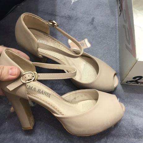 Обувь Женская 4 пары (туфли,ботильоны, танкетка)