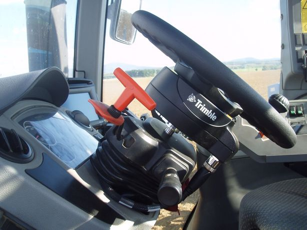 Комплект подруливающего устройства Trimble EZ-Pilot с дисплеем CFX-750
