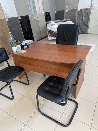 Стол, шкаф, стулья б/у