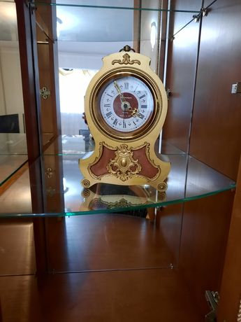 Совецкие антикварные часы Янтарь КВАРЦ