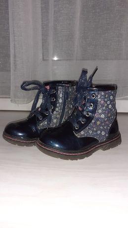 Недорого продам осенне-весеннюю детскую обувь для девочек