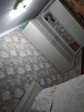 Продам спальни гарнитур шкаф угловой в хорошем состоянии, цена 300000