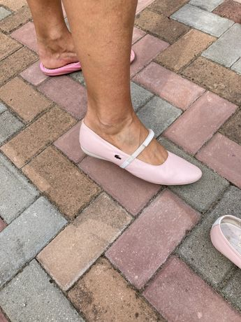 Sandale Lacoste model frumos si ingrijite