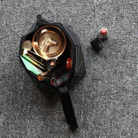 Несесер за гримове ,дамска чантичка с цип и дръжка,тип хамелеон,нова