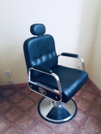 Продам 2 парикмахерских ( барберских) кресла