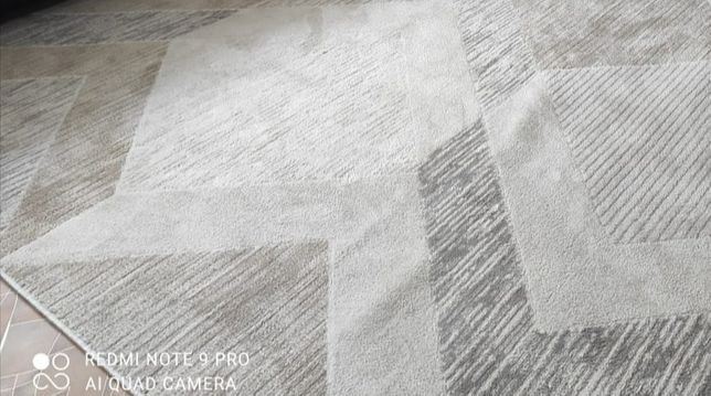 Продам ковёр 2*3 новый, качество шикарное с хорошим ворсом