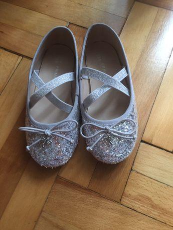 Pantofi/ balerini NOI fetite mar 9 uk (27 eu)