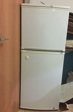 Холодильник сатылады, багасы 40 мын тг.