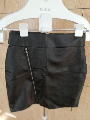 Продам юбку под кожу новая размер s