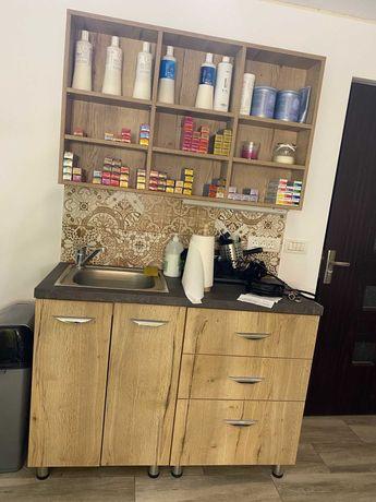 Vand mobilier pentru salon de infrumusetare