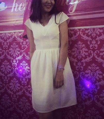 Белое платье Promod