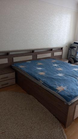 Продам кровать с тумбами