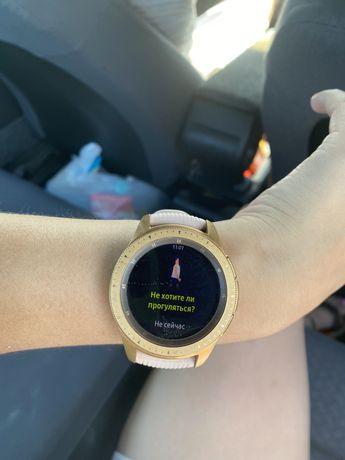 Galaxy Watch часы