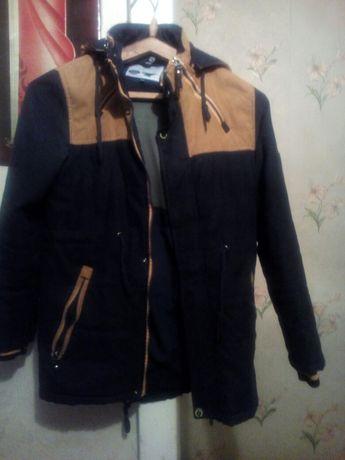Продам  куртку на мальчика. весна-осень, в отличном состоянии