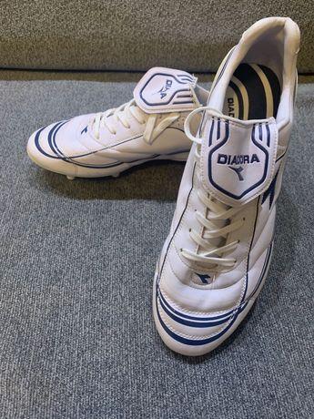 """Футболни обувки """"Диадора"""""""