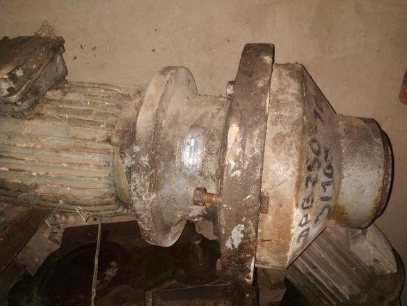 Планетарен мотор редуктор ДРВ 250 - 3 кВт, 10 об./мин.