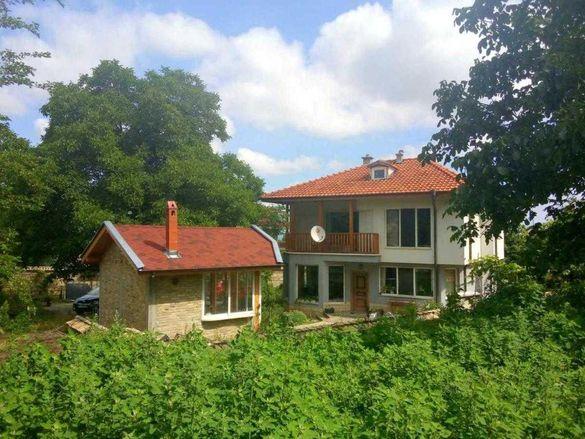 Бялата къща Калугерица