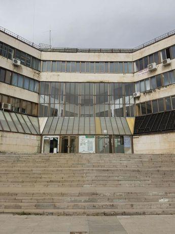 Продавам офис в центъра на Ботевград