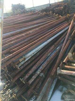 Продам опалубку строительные леса фанеру струбцины все для опалубки