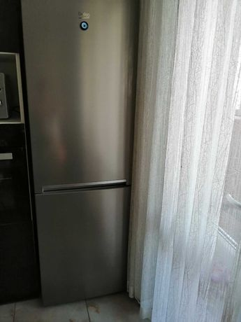 хладилник с фризер инокс
