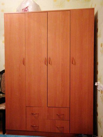 Шкаф хороший состоянием