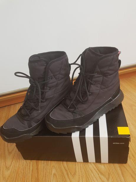 Продаю зимние кроссовки adidas