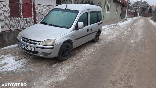 Dezmembrez Opel Combo