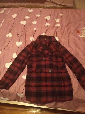 Продавам палтенце за момиче.