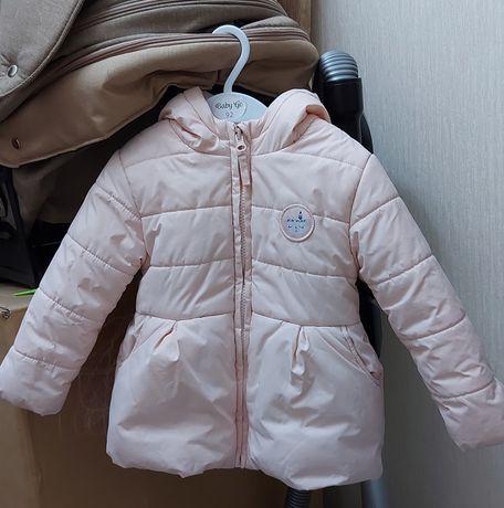 срочно продам  детскую куртку baby go