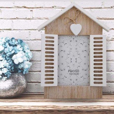 Рамка за снимки къщичка с прозорец