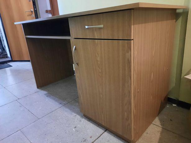 Стол  письменный для дома
