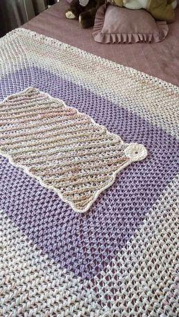 Ръчно плетено одеяло с подарък,елипсовидна постелка за пред легло