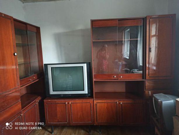 Стенка, телевизор, шифонер деревянный