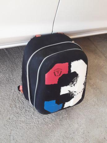 Для мальчиков  рюкзак  .